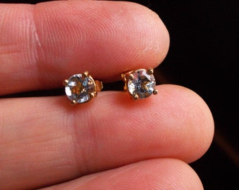 Solid 14k yellow gold genuine aquamarine studs post earrings