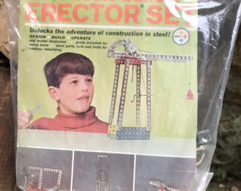 Erector set basic builder / vintage toy