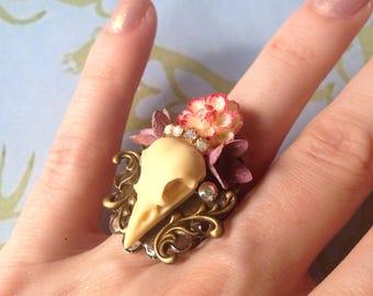 Spring bird skull Adjustable ring