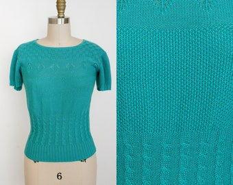 Vintage 1970s Short Sleeve Pull Over Sweater - Teal Blue Pointelle - Scoop Neck - Womens Small