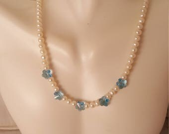 Crystal flower and pearl necklace (NK015)