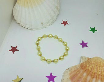 Bracelet pearls and seed beads