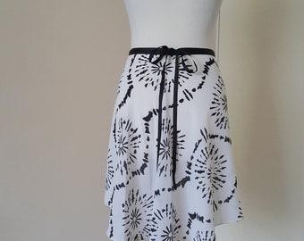 Ballet wrap skirt - Rehearsal skirt - White / Black circles