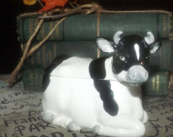 Vintage (c.1980s) Otagiri figural hand-painted black-and-white spotted happy cow covered sugar bowl. Made in Japan.
