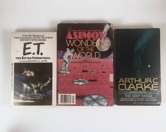 3 Science Fiction Books, E.T., Deep Range, Wonders of World, Arthur C Clarke, Asimov, Close Encounters of Third Kind, Fall Winter Reading
