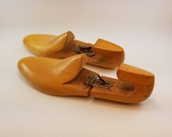 Vintage Wooden ADJUSTABLE SHOE TREES - D. Mackay New York - Shoe Stretchers - Fun Shoe Decor - Solid Wood Adjustable Shoe Forms - Nice Gift