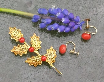 Vintage Vermeil Filigree and Coral Pin and Coral Screw Back Earrings Gold Set Filigree and Coral Pin and Earrings