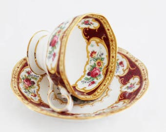 "Pretty Royal Albert's ""Lady Hamilton"" stylish burgundy gold gilt pattern with flowers (Small size)"