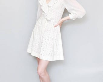 Vintage 1960's Stunning Broderie Anglaise Mini Dress