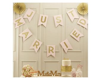 """Garland pennants """"Just Married"""", pink/gold"""