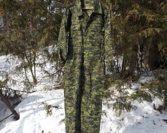 Full Body Camo Suit Military Romper Camoflage Pants Camo Jacket Military Issue Size Medium Vintage Camoflage Paintball Survivalist Hunting