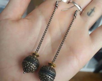 Simple balls earrings