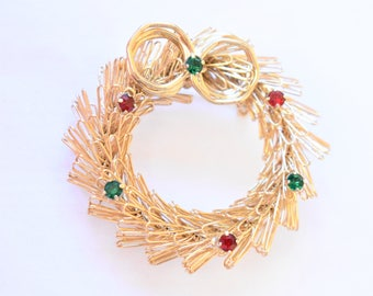 "Vintage Christmas Holiday Wreath Statement Brooch Rhinestone Coat Sweater Scarf Pin Gold Tone Retro Costume Jewelry 1.75"""
