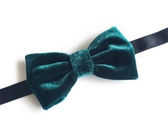 "Green Velvet Pre Tied Bow Tie ""Braun"", Best Handmade Gift for Men, Weddings, Birthday, Valentines Day"
