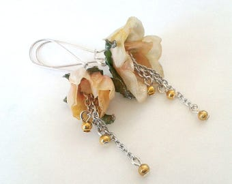 Golden spring earrings