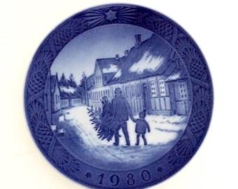 Royal Copenhagen Christmas Wall Plate, 1980 Christmas Plate, Collectible Plate, Danish Design, Scandinavian Christmas Winter Scenes