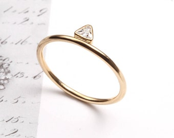 14k Triangle shaped cubic zirconia ring, Handmade 14k solid gold ring, 14k gold ring, Stackable minimal ring, Anniversary gift for her