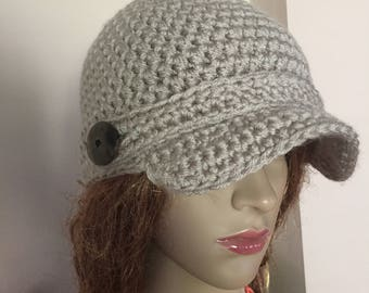 Crochet newsboy hat with buttons