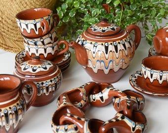 Vintage ceramic crockery | vintage tea set | teacup | teapot | vintage pottery