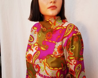60s 70s Paisley Graphic Blouse.  Polyester. Bright Green Purple. Mock Neck. Size Medium