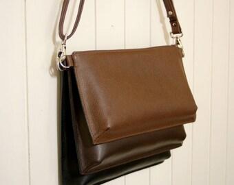 Leather to compose a shoulder bag