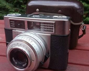 Vintage 1963 Zeiss-Ikon Contessa-matic E. 35mm Rangefinder Camera in original case.