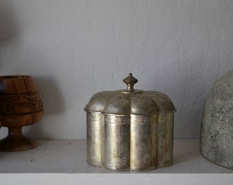 Vintage Etched Silver Box with Lid trinket/gift/jewelry/storage