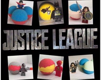 Justice League 6 pack Peek-A-Boo Bath Bombs with toy