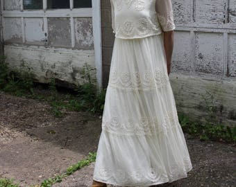 Vintage Lace Wedding Dress Tiered Off-White Gown Sheer Short Sleeve Maxi MARIE ST CLAIRE Small