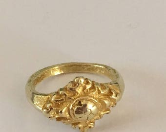 A Gold Vintage Floral Ring Central Java 9 - 12th Century