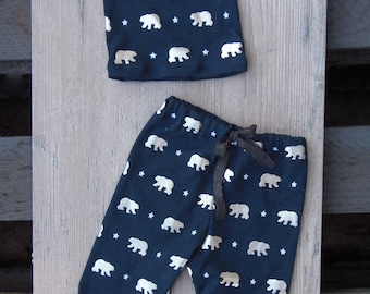 Newborn boys hat and pants set