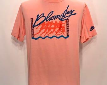 1989 BLOOMSDAY Finisher Souvenir T Shirt / Retro Nike Running Spokane Washington Worlds Largest Timed Foot Race T Shirt Mens Size MEDIUM