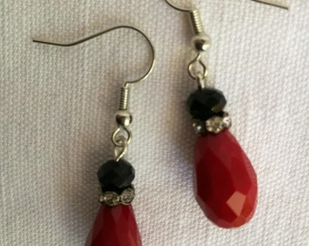 Red and black earrings / free shipping
