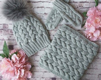 Very nice pink  winter set for girl, Merino wool knitted hat, round scarf and gloves