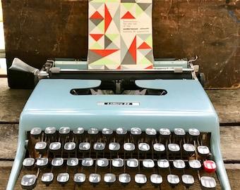 Vintage Olivetta Lettera 22 Typewriter | Turquoise Portable Typewriter | Mid Century Retro Typewriter | Underwood Olivetta Lettera 22 |