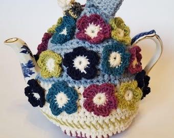 Bee & flower crochet tea cozy