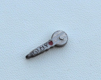 """Vintage Hallmarked STERLING SILVER Charm, """"Key To My Heart"""" Enameled Mechanical"""