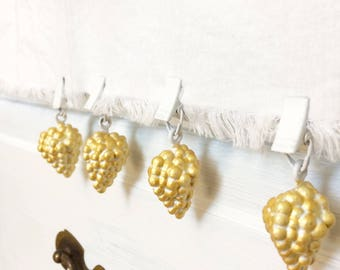 Tablecloth weights, tablecloth clips, picnic table cloth weights, table weights, balloon weights, vineyard decor, set of 4 tablecloth weight