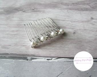 Bridal Hair Comb, Wedding Hair Comb, Delicate Comb, Hair Jewelry, Wedding Comb, Bridal Headpiece, Pearl Hair Comb, Wedding Accessories, Comb