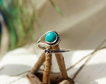 Turquoise wrap ring,Spoon ring Adjustable ring Turquoise ring cuff ring stone ring Boho ring thumb ring stone dreadbead festival ring hippie