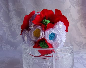 Wedding bouquet with poppies and white flowers in satin/bridesmaid Bouquet