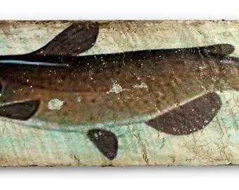 Fish on pallet wood