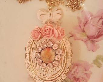 Vintage Shabby Chic Pink Metal Locket Romantic Cherub Valentine Necklace Passion Valentine Gift Romantic Jewelry Vintage Cupid Cherub
