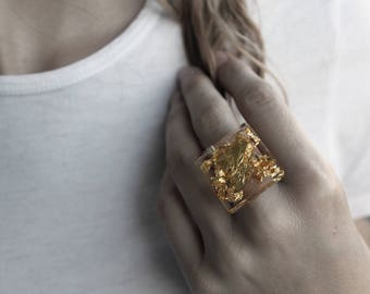 Gold leaf and resin ring | Ring in resin and gold | Handmade ring | Handmade ring | Modern Ring | Elegant ring | Gold | Gold leaf