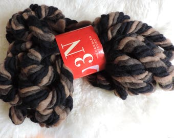 Feza 3N No Needles Needed Pure Wool Yarn, Color #65 Black and Brown, Super Bulky, Australian Wool
