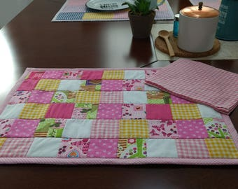 Nice set of placemat with napkin Quilt and Patchword. Cotton fabric, washable.