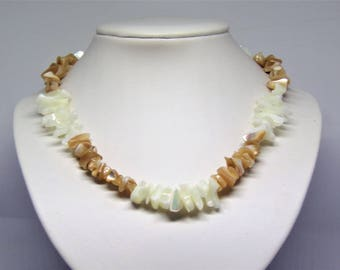 Necklace mother of pearl