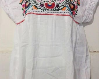 FREE SHIPPING! M-L Mexican blouse hand embroidered