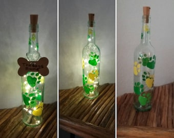 Dog loss gift, Wine bottle lights, Pet remembrance, Dog sympathy gifts, Painted paw lamp, Free personalized bone included