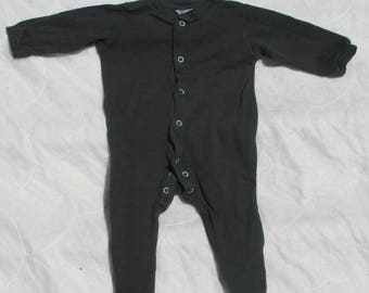 long sleeved popper footed sleep/bodysuit